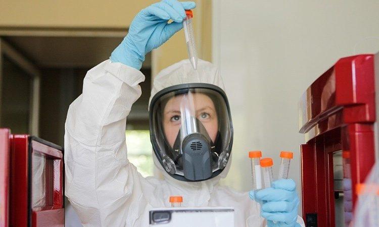 Johnson & Johnson suspende ensayos de vacuna contra la Covid-19